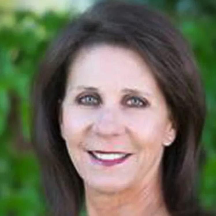 Julie Caglia